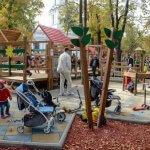 Світлина. На Соборной площади открыли площадку для детей с инвалидностью. Безбар'ерність, инвалидность, пандус, адаптація, Одесса, детская площадка