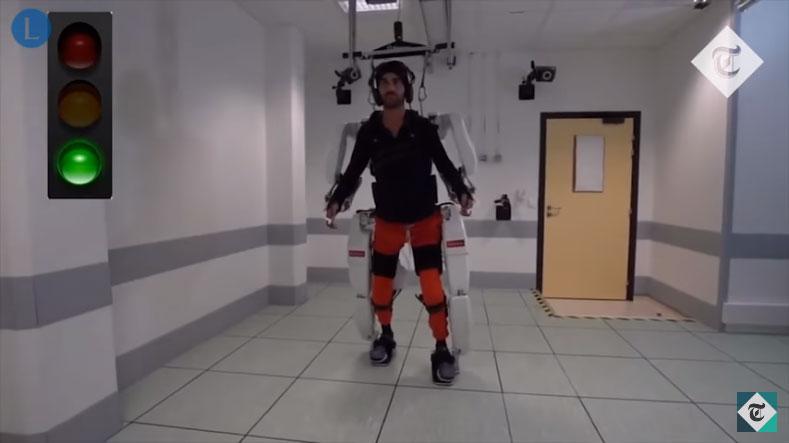 Паралізований чоловік пройшов 145 метрів в екзоскелеті, який підключили до його мозку (ВІДЕО)