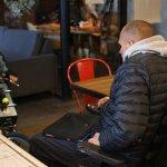 Світлина. Чуттєвим роликом франківців закликали не паркуватися на місцях людей з інвалідністю. Безбар'ерність, інвалідність, Івано-Франківськ, паркування, поліція, відеоролик