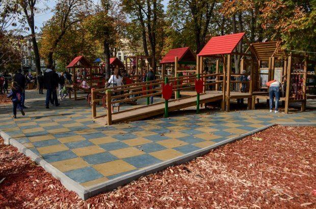 На Соборной площади открыли площадку для детей с инвалидностью. одесса, адаптація, детская площадка, инвалидность, пандус