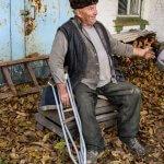 Пенсіонер з Христинівщини вимушений 5 годин їхати у інвалідному візку до соцпрацівників