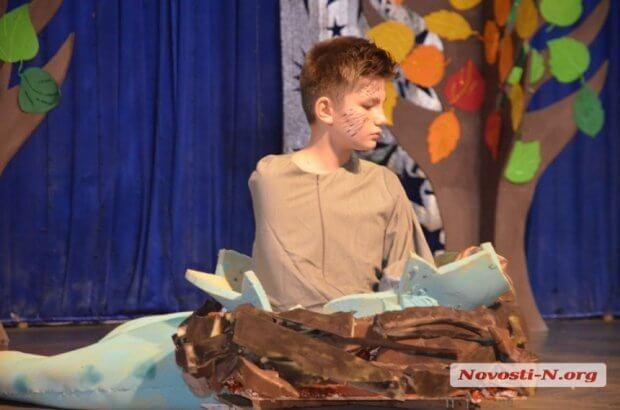 Я не такой, но я – такой же: в Николаеве особенные дети показали социальный спектакль. николаев, соловей с одним крылом, общество, равнодушие, спектакль