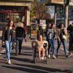 Недоступний Житомир: Катерина Чорток показала, як виглядає місто з інвалідного візку (ФОТО, ВІДЕО)