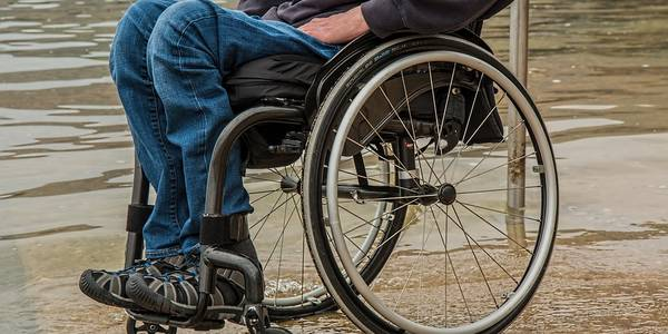 Життя без обмежень: Київ змінює стандарти для людей із інвалідністю