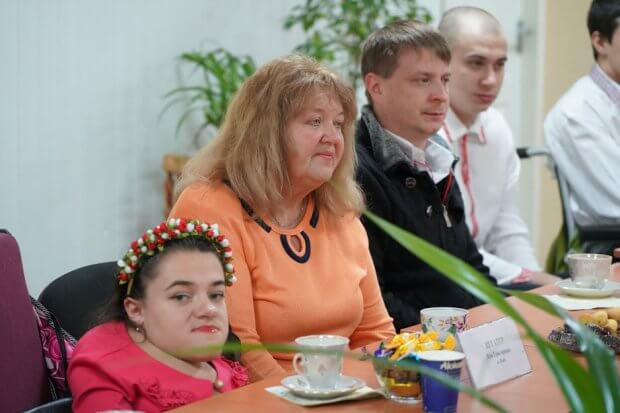 «Круглий стіл» для учасниць конкурсу «Краса без обмежень 2019» пройшов у Департаменті соціального захисту населення Донецької ОДА. донецька ода, краса без обмежень, зустріч, круглий стіл, інвалідність