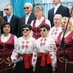 Світлина. Жизнь слепых: в Одессе незрячие люди поют, вяжут, собирают прищепки и жалуются на хаотично припаркованные авто. Статті, незрячий, Одесса, УТОС, шрифт Брайля, слепой