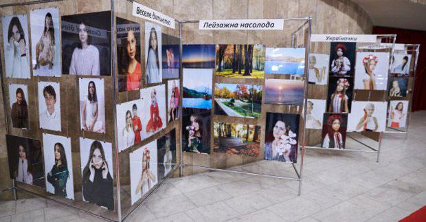 В оперному відкрилася фотовиставка учасників проєкту «Харків – місто талантів» (ФОТО). безмежна реальність, харків, проєкт, фотовиставка, інвалідність