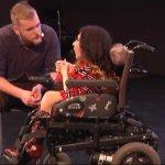 «Світло у темряві»: у Запоріжжі дебютував інклюзивний театр – (ВІДЕО)