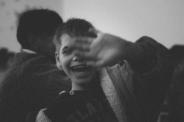 Фотограф із Запоріжжя на візку: Еліна Околіт про любов до зйомок та магію в лікарнях. еліна околіт, лікарняний клоун, фотограф, фотографія, інвалідність