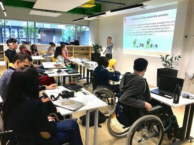 """Проєкт Be QA today – безкоштовні курси для людей з фізичною інвалідністю, оголошує про третій набір учасників навчання на курс """"Тестування Програмного Забезпечення"""" (Software Testing). be qa today, software testing, курси, проєкт, інвалідність"""