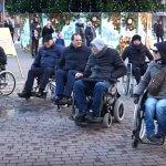 Випробували бар'єри на собі: як чиновники Івано-Франківська проїхали містом на інвалідних візках (ВІДЕО)