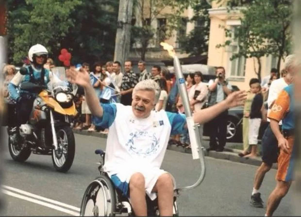 Українець, який подорожує навколо світу на інвалідному візку: мотивуюча історія. микола подрезан, мандрівник, подорож, інвалідний візок, інвалідність
