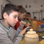Інклюзія у дії: гончарна майстерня «Чарівний глечик» допомагає в реабілітації дітей з інвалідністю (ВІДЕО)