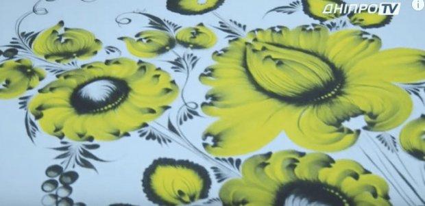 В Днепре Наталья зубами рисует невероятные картины. наталья николенко, артрогрипоз, картина, рисование, художница