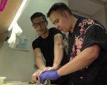 Йому 25. Він мріє працювати кухарем, але не може влаштуватися на роботу через інвалідність (ВІДЕО). петро вибивайло, кухар, порушення слуху, центр зайнятості, інвалідність