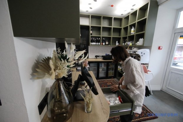 «Як сніг на голову». Кафе, де куховарять люди із синдромом Дауна. харків, як сніг на голову, кафе, синдром дауна, інвалідність