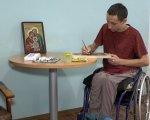 Колишній миколаївський військовий почав писати ікони (ВІДЕО). ігор саханський, військовий, іконописець, інвалідний візок, інвалідність