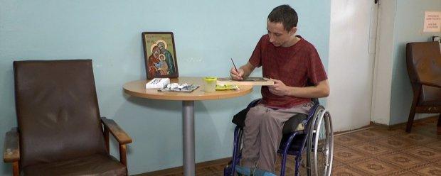 Колишній миколаївський військовий почав писати ікони. ігор саханський, військовий, іконописець, інвалідний візок, інвалідність