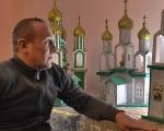 Прикарпатець створює унікальні церкви з картону (ВІДЕО). микола ленчовський, церква, майстер, інвалідний візок, інвалідність
