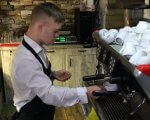 У Луцьку відкрили кав'ярню, у якій працюють люди з синдромом Дауна (ВІДЕО). луцьк, кав'ярня, офіціант, працевлаштування, синдром дауна