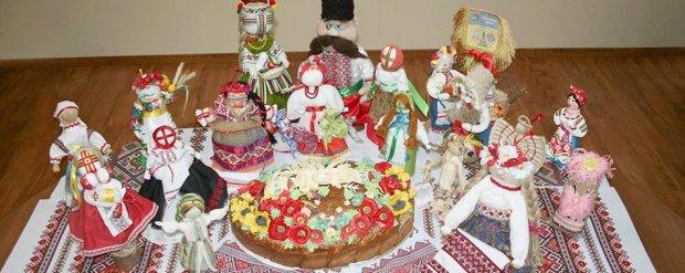 100 власних творчих робіт показали люди із інвалідністю у Житомирі. житомир, виставка, експозиція, учасник, інвалідність