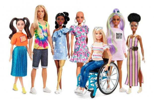 В продаж надійшли ляльки Барбі з інвалідністю. mattel, захворювання, лялька барбі, інвалідний візок, інвалідність