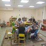 Світлина. В Запоріжжі показали, як діти проходять реабілітацію в оновленному відділенні центру соцобслуговування. Реабілітація, інвалідність, послуга, Запоріжжя, фахівець, відділення комплексної реабілітації