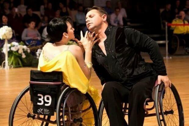 «Хотелось вершин достигать»: история знаменитой пары танцоров на инвалидных колясках из Славянска. керничные, инвалидная коляска, соревнование, танець, танцор