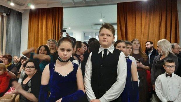 """У Луцьку відбувся """"Стрітенський бал"""" за участю людей з інвалідністю. луцьк, стрітенський бал, учасник, інвалідність, інклюзія"""