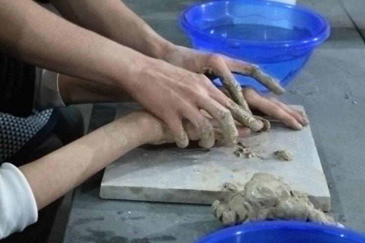 Відчувати мистецтво на дотик: Як незрячі харків'яни опановують скульптуру (ФОТОРЕПОРТАЖ). харків, майстер-клас, незрячий, скульптура, інклюзія