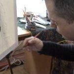 Житомирський художник із ДЦП пише портрети, ікони та розгадує таємницю посмішки Джоконди (ВІДЕО)