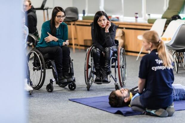 Одесситы впервые в Украине обучили первой помощи людей на инвалидных колясках. fast, киев, инвалидная коляска, помощь, тренинг