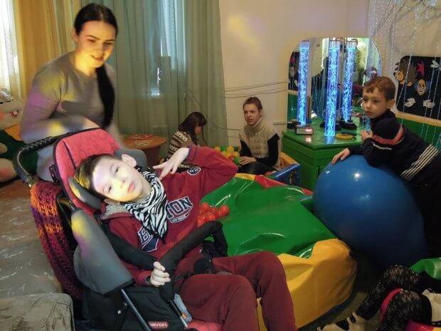 На базі лікарні на Волині відкрили сучасний реабілітаційний центр для дітей з інвалідністю. любомль, реабілітаційний центр, дитина, лікарня, інвалідність