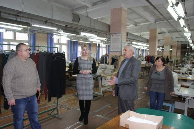 Посадовці ОДА вивчають та аналізують роботу підприємств, засновниками яких є громадські організації осіб з інвалідністю. івано-франківськ, світлана онищук, утог, утос, підприємство