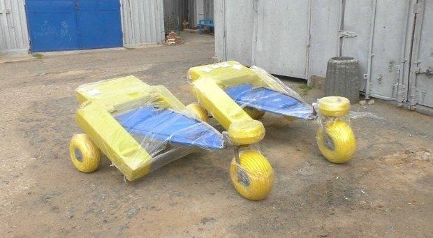 Черноморск приобрёл оборудование для купания в море людей с инвалидностью. черноморск, инвалидность, коляска для плавания, море, пляж