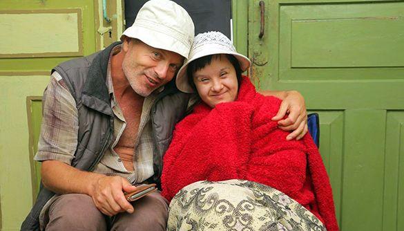Із сонячною зовнішністю: як живе перша в Україні акторка з синдромом Дауна (ФОТО, ВІДЕО). маріанна ахрарова, акторка, синдром дауна, фильм, інвалідність