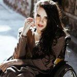 Олександра Кутас стала першою моделлю на візку, заснувала стартап та читає лекції в Лондоні. Її історія
