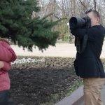 30-річний кропивничанин, не маючи кисті лівої руки, працює фотографом (ВІДЕО)