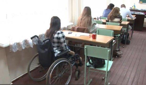 Інклюзивна освіта у Кропивницькому: як студенти з інвалідністю навчаються у звичайних закладах. кропивницький, студент, інвалідність, інклюзивна освіта, інклюзія