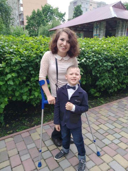 Особливі сім'ї. незрячий, подружжя, сім'я, інвалідний візок, інвалідність