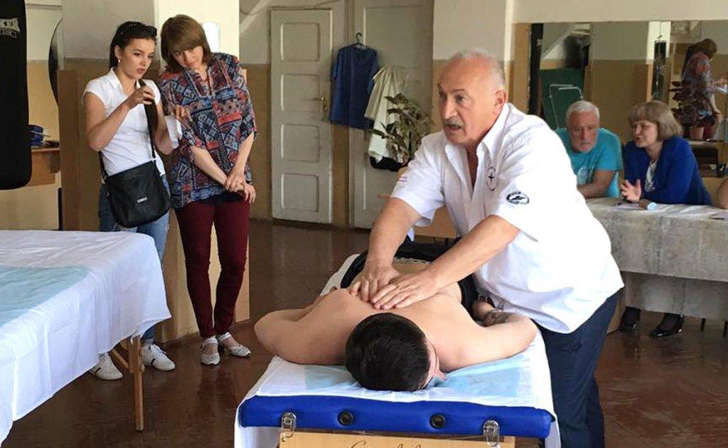 В УжНУ готують фахівців, здатних заново навчити людину жити (ФОТО). ужну, ерготерапевт, працездатність, студент, інвалідність