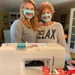 Американська студентка створила медичні маски для глухих і роздає їх безкоштовно
