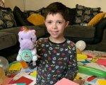 Самотнього хлопчика з аутизмом підтримав весь світ у день народження. Фото та його історія. ділан джеймс, аутизм, день народження, карантин, листівка
