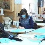 У Житомирському товаристві глухих пошили 100 тисяч захисних масок для медичних працівників (ВІДЕО)