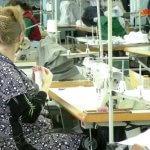 25 херсонців з порушеннями слуху за місяць пошили 28 тисяч захисних масок (ВІДЕО)