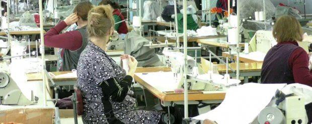 25 херсонців з порушеннями слуху за місяць пошили 28 тисяч захисних масок. херсон, коронавирус, маска, порушення слуху, підприємство