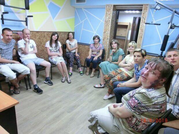 """Інклюзія онлайн: у Вінниці реалізується проєкт """"Ми поряд"""", для людей з інвалідністю. вінниця, го паросток, проєкт ми поряд, підтримка, інвалідність"""