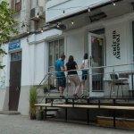 Історія, що вийшла за межі двору: чому сусіди посварилися з інклюзивним рестораном (ФОТО)
