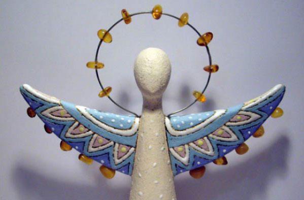 Ковельчанка Ольга Яренчук отримала бурштинову статуетку «Ангел добра». ольга яренчук, номінація благодійність медіа, пандемія, перемога, статуетка ангел добра
