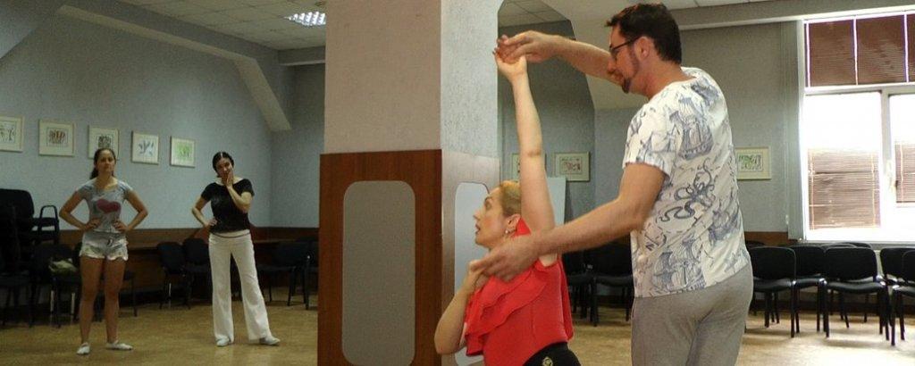 У Миколаєві відбувся танцювальний майстер-клас для людей з інвалідністю (ВІДЕО). миколаїв, олена чинка, танок моєї душі, танцювальний майстер-клас, інвалідність